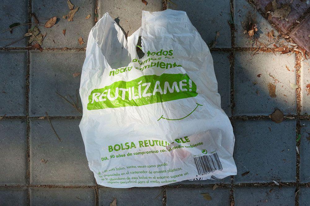 787dc14f3 ¿Se está aplicando la normativa de cobrar las bolsas de plástico en España?